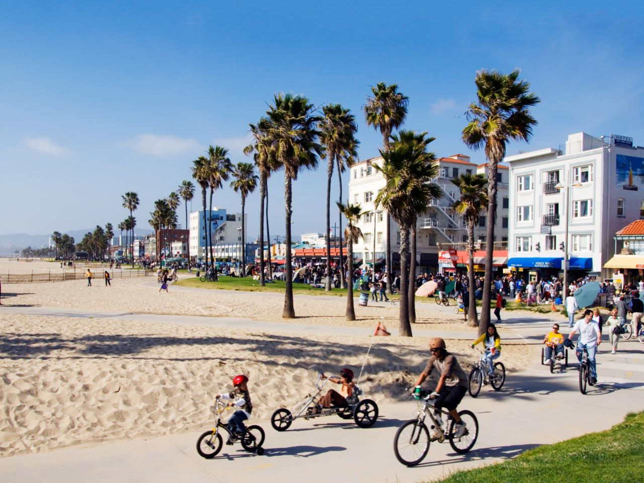 top-california-beach-getaways-venice-beach.jpg.rend.tccom.1280.960